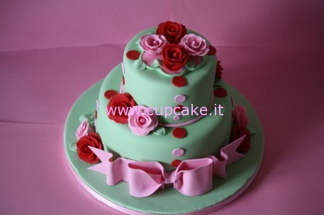 torta decorata con rose