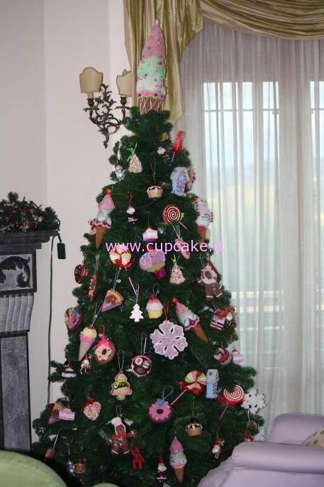 Albero Di Natale Con Dolci.Decorazioni Di Natale Cupcake Punto It Ricette E Guide Sui Cupcakes E Cake Design