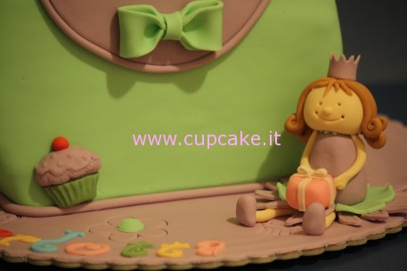 torta a forma di borsa